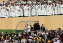 """Papa Francisco chega ao Chile e diz sentir """"dor e vergonha"""" por abusos sexuais da Igreja chilena"""