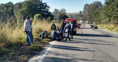 Acidente na BR-491, entre Varginha e Três Corações, deixa um motociclista ferido