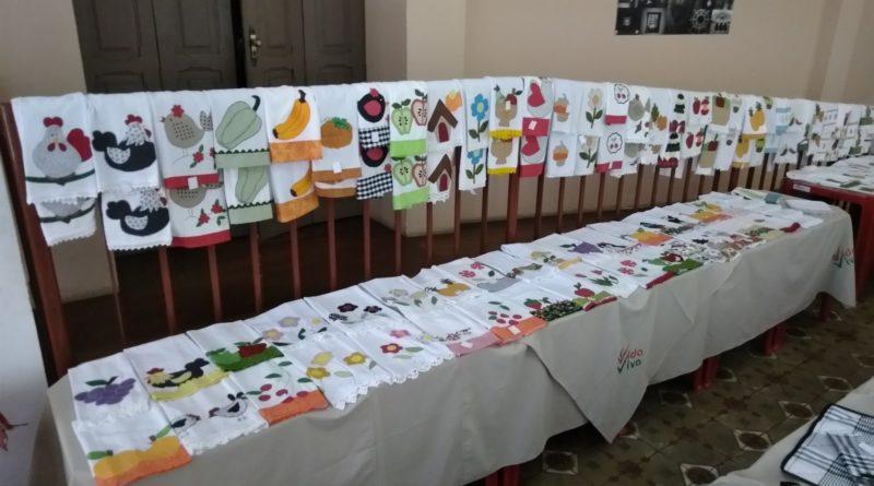 Vida Viva promove exposição de artesanato no foyer do Theatro Capitólio