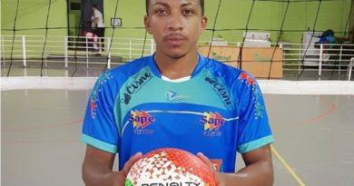 Jogador de vôlei lavrense fecha com equipe de Foz do Iguaçu para temporada de 2019