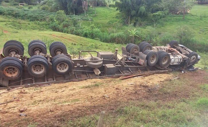 Motorista fica gravemente ferido em acidente na BR-265, entre Ilicínea e Boa Esperança