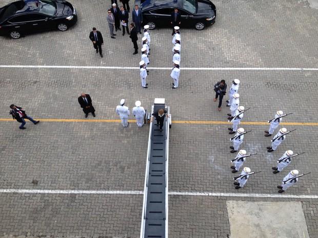 Dilma participa de cerimônia com a Marinha na Bahia nesta quarta-feira (6) (Foto: Henrique Mendes/G1)