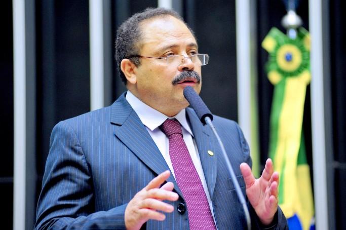 Maranhão assumiu interinamente após Cunha ser afastado pelo STF.